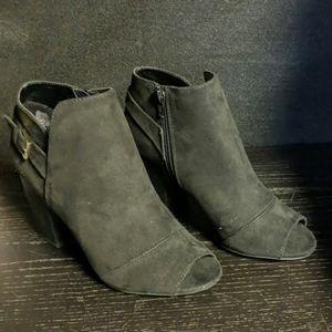 Apt 9 Peep Toe Ankle Boots Memory Foam Sock